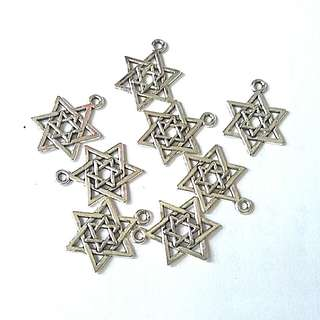 8 Star Of David Charms Antique Silver Tone