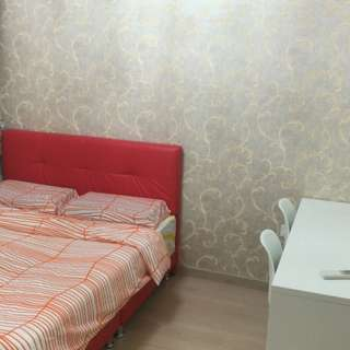 Master bed room for rent @1000. Fully furnished with full condo facilities.