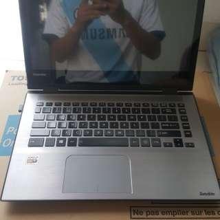 Laptop Toshiba Satellite Radius E45DW-C4210
