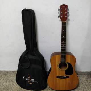 Custom acoustic Guitar with bag