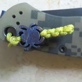 Knife paracord beads