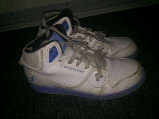 Jordan flight white and blue