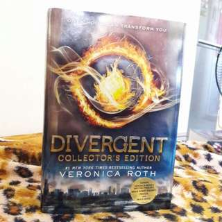 REPRICED!! Divergent Collector's Edition Hardbound