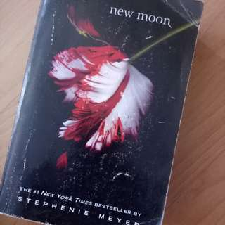 New Moon Stephenie Meyer