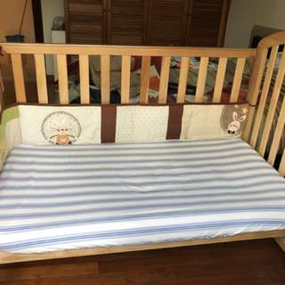 Baby to toddler cot bed set