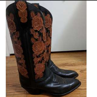 Black and cognac rose cowgirl boots