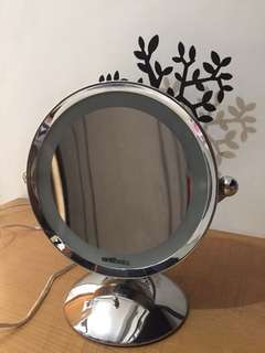 vanitibasics mirror with light