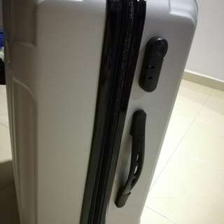 Polo luggage 24""