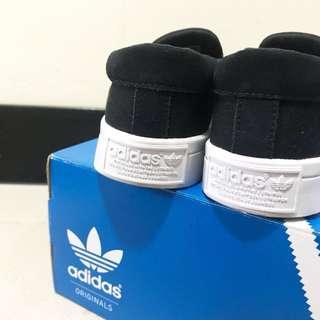 Adidas 黑色 懶人鞋