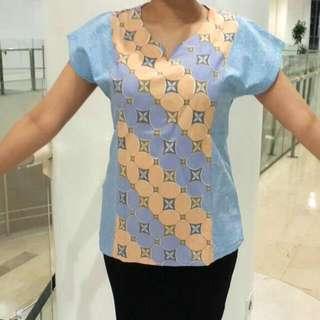 Top Batik Biru
