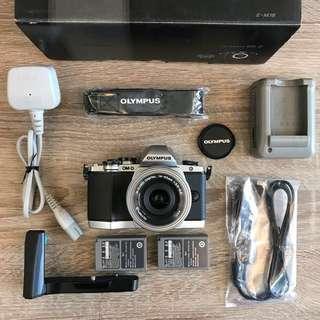 Olympus OM-D EM10 Mark 1  (Sliver) + Pancake 14-42mm 3.5-5.6 Lens