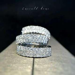 自家緬甸玉石珠寶完美追求者之選 。 價格: $5,563HKD  鑽石: 約0.522ct 鑲嵌: 18k