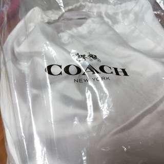 Coach. 包