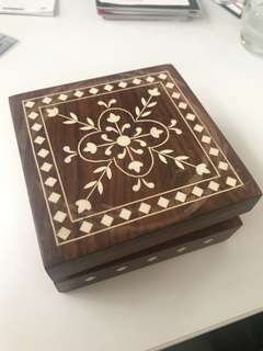 Wooden box beige lacquer inlay