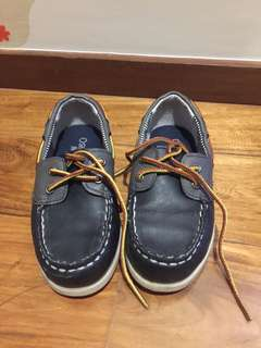 Osh Kosh boat shoes size 10