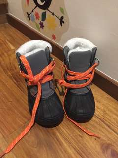 Gymboree snow boots US10 used once!