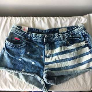 America print shorts