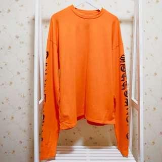 原宿風螢光亮色英文字母圓領厚棉質寬鬆長版超長寬大袖子長袖T恤上衣-橘L