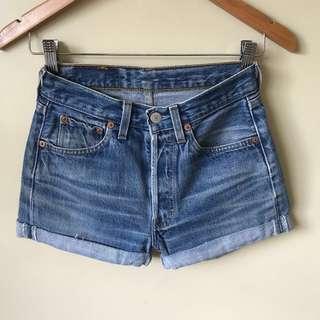 Preloved Levi's high waist denim shorts