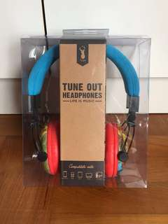 BN Superman Typo Tune Out Headphones