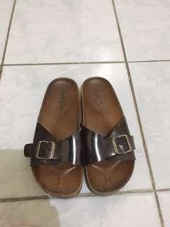 One strap slipper