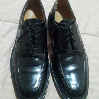 Authentic cole haan black shoes
