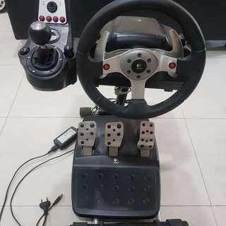 Logitech G25 Racing Wheel with stand