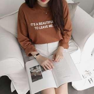 Dejou正韓網站 休閒百搭款字母印花T恤 栗色咖啡色