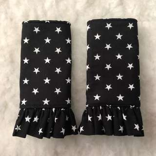 Reversible drool pad handmade with ruffles cutting hearts and stars, suitable for manduca tula ftg, ergo lillebaby etc
