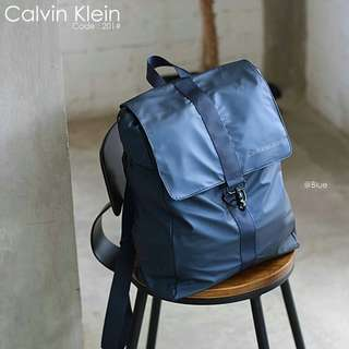 New Backpack Parachute Waterproof CALVIN KLEIN 201#p  Bag Size : 30x12x38cm Quality : Semprem Material : Oxford Parachute Ready 3 colours :  - Black - Blue - Gray Double functions : Backpack & Totes Weight : 0,6 kg   H 190rb