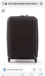 Tumi ligthweigth extented trip packing case