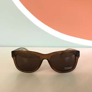 100% New Burberry Sunglasses from Italy