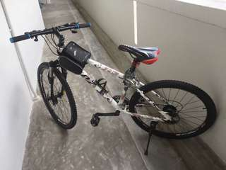 GPZ camo mountain bike with shimano gears