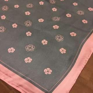 100%  Silk 可愛小花絲巾
