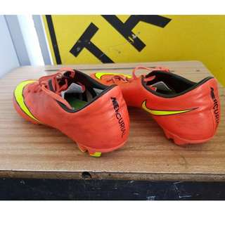 MENS NIKE FOOTBALL?? BOOTS USED
