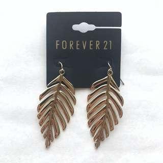 Forever 21 Golden Palm Tree Leaves Earrings