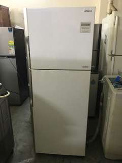 Like new Hitachi 365l 2 door fridge / refrigerator