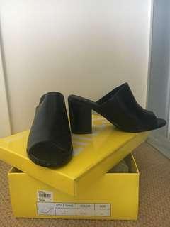 Sports Girl Black Mules Size39