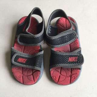 Nike 涼鞋