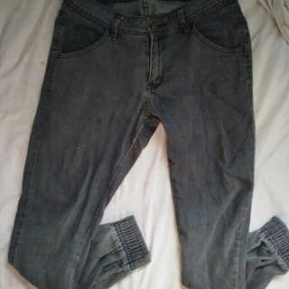 MEN'S JOGGER PANTS (PRICE NEGOTIABLE)