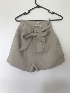 Beige high waist tie up shorts