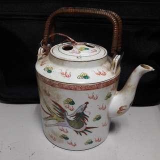 Vintage Chinese Tea Pot - 18cm