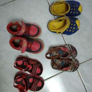 Sandal sepatu