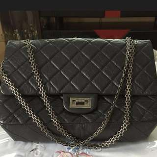 Authentic Chanel black quilted soft lambskin leather bag. Limited edition. Comes with authentication certificate n dustbag. Dimensions: L32 W8 H21 cm. 💯 top n good condition 10./.10 . Used twice only. Nego for genuine buyers. Retail at $8K plus.