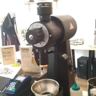 Grindr Kopi (Buat bikin Manual Brew)