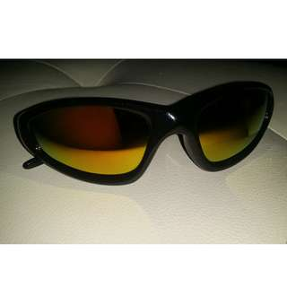 New, unworn UV protection snowboarding style sunglasses metal, plastic and rubber tinted mirrored lenses