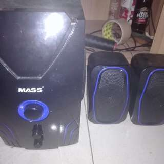 Bluetooth speaker w/ remote control
