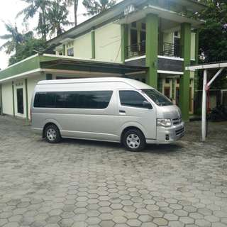 Sewa mobil wisata murah di Jakarta, Toyota Hiace (15 seat) hanya 1,6 juta + driver + BBM.