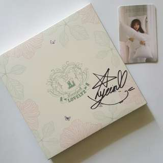 LOVELYZ SIGNED YEIN