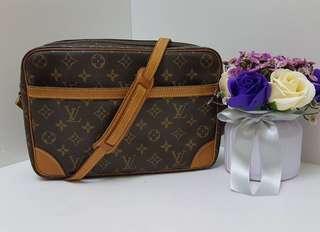Authentic Louis Vuitton Trocaredo 27